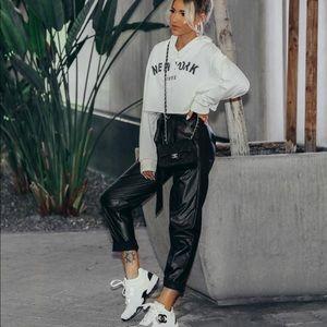 Tops - White graphic print hoodie